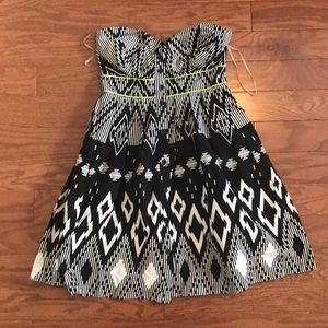 Tribal strapless dress